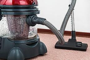 Dampfsauger auf Teppichboden